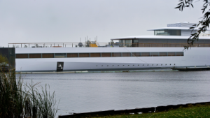 Beschlagnahmt: Designer von Steve Jobs' Jacht will ein paar Millionen mehr
