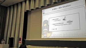 Cern-Mitarbeiterin Evangelia Gousiou sprach auf der EHSM über Open Hardware