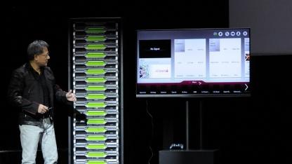 Jen-Hsun Huang vor einem Grid-Rack mit 240 GPUs