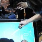 Lenovo Horizon 27: Rollender Tisch-PC als Mini-Surface-Konkurrenz