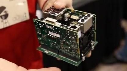Xi3 zeigt Innenleben von Piston.