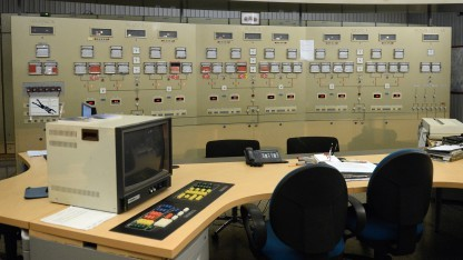 Im Kontrollraum des Kraftwerks La Richardais in Frankreich im November 2012