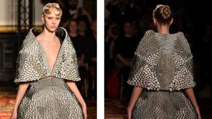 Ensemble aus dem 3D-Drucker:  Aussehen und Bewegung der Kleidungsstücke gestalten