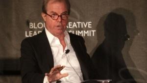 OLPC-Gründer Nicholas Negroponte (2011): neuer Bildungsrechner in Grün-Weiß