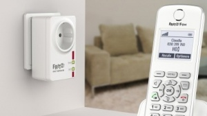 AVMs Fritz Dect Repeater 100 mit Dect-Telefon