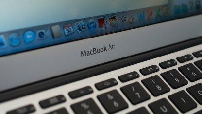 Das Macbook Air und das Surface Pro haben ungefähr gleich viel freien Speicherplatz.