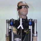 Roboter: Rex ist eine Menschmaschine