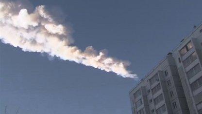 Schweif des Meteoriten über Tscheljabinsk