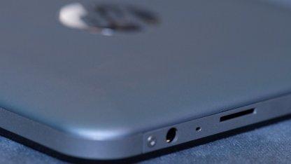 HPs 150-Euro-Tablet hat einen Micro-SD-Schacht.