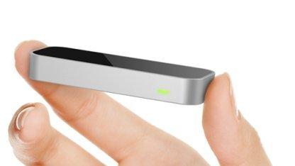 Leap Motion Controller - kleiner Kasten ermöglicht Computersteuerung per Fingerzeig.
