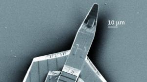 Raumschiff im Mikrometerbereich: schneller drucken mit beweglichen Spiegeln
