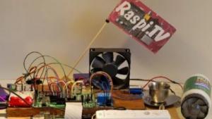 Die Fahne wird über das Raspberry Pi, das Gertboard und die Wiimote gesteuert.