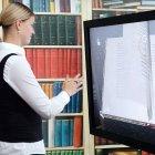 Interactive 3D-Book Explorer: Mit Gesten in wertvollen alten Büchern blättern