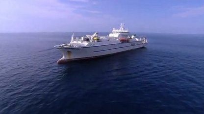 Das Seacom-Seekabel wird verlegt.