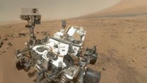 Marsrover Curiosity: ein scharfes Bild auf acht unscharfe