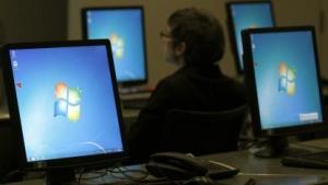 Microsoft: USB-Stick anschließen und Windows-Rechner kapern
