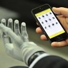 i-Limb Ultra Revolution: Robotische Handprothese lässt sich über App steuern