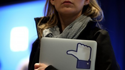 Facebooks Like-Button auf einem Tablet