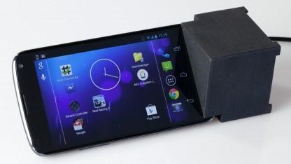 Das Andock ist eine Dockingstation mit Lüfter für das Nexus 4.