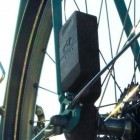 Ladegerät Atom: Das Fahrrad lädt den Smartphone-Akku