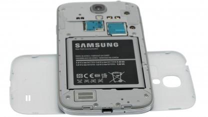 Die Webseite iFixit hat das Galaxy S4 von Samsung in seine Bestandteile zerlegt.