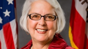 Bonnie Lowenthal: veraltetes Transparenzgesetz in das digitale Zeitalter transferieren