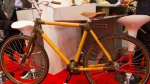 Holzrad: Schutzblech aus Flachfasern