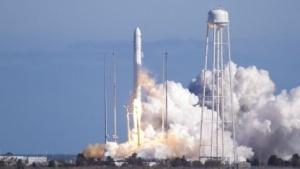 Orbital Sciences: Trägerrakete Antares setzt Phonesats aus