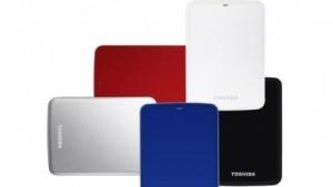 Toshiba Store.e Canvio: Externe Festplatte mit Pogoplug und 10 GByte Cloud-Speicher