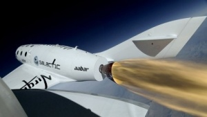 Virgin Galactic: Spaceship Two fliegt mit Raketenantrieb