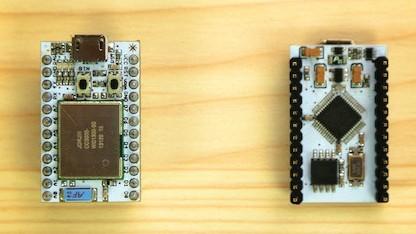 Das kleine Spark Core hat einen WLAN-Chip und lässt sich mit Wiring von Arduino betreiben.