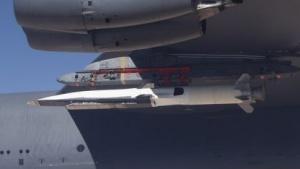 X-51A Waverider auf dem Weg zum Testflug (am 1. Mai 2013): 426 Kilometer in sechs Minuten