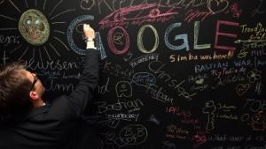 Eine Kreidetafel in der Google-Zentrale in Berlin