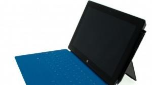 Das Surface Pro hat einen schnelleren Prozessor und einen Stift für Notizen.