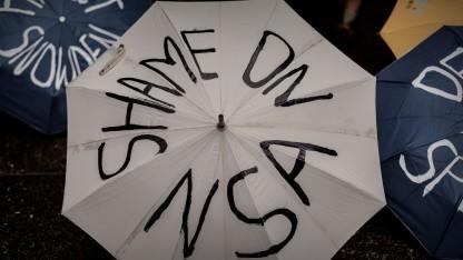 Proteste vor dem US-Konsulat in Hongkong am 15. Juni 2013