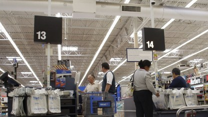 An der Kasse bei Walmart in Phoenix, Arizona