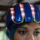 Weihnachtsbaum auf dem Kopf: Fahrradhelm mit blinkender Navigation im Selbstbau