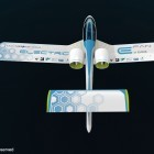 EADS: Elektroflugzeug E-Fan fliegt mit Akkus und zwei Rotoren