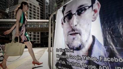 Ein Plakat mit dem Bild Edward Snowdens in Hongkong