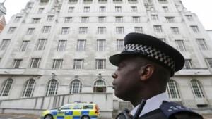 Metropolitan Police vor dem künftigen Hauptsitz