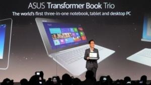 Asus-Chef Jonney Shih stellt das Transformer Book Trio vor.