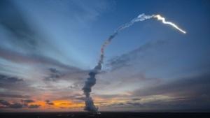 Start einer Ariane-5 mit dem ATV-4: Erdbeeren, Tiramisu und Parmesan