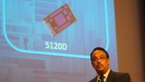 Rajeeb Hazra kündigt neue Xeon-Phi-Produkte an.