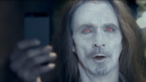 Lumia 925: Nokia lässt iPhone-Besitzer zu Zombies mutieren