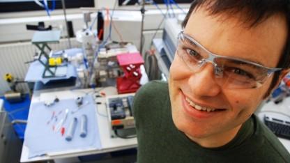 Projektleiter Matthias Arenz: gleiche Menge an elektrischer Energie bei nur einem Fünftel der Platinmenge