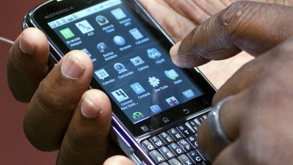 Smartphone-Nutzer in San Francisco (Symbolbild): politische Querelen