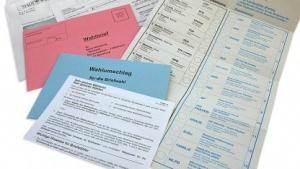 Briefwahl-Unterlagen zur Bundestagswahl 2005