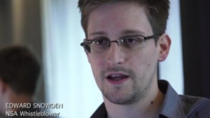 Snowden bei einem Interview mit dem Guardian 2009 (Quelle: Laura Poitras/Screenshot: Golem.de), Edward Snowden
