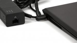 Einen RJ-45-Netzwerkanschluss hat Sonys Vaio Pro nur am Netzteil.
