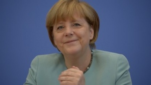 Bundeskanzlerin Merkel präsentiert sich gut gelaunt der Hauptstadtpresse.
